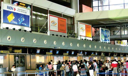 Biển quảng cáo 3 mặt tại sân bay