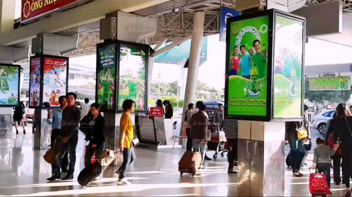 Quảng cáo biển hộp ở sân bay