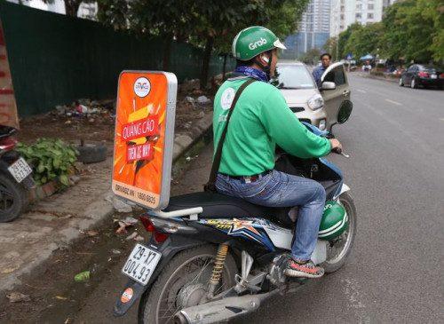 ưu điểm quảng cáo trên xe máy